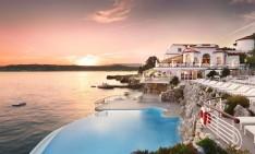 amazing pools amazing pools Fancy a swim? 10 amazing pools that will seduce you Amazing pools H  tel du Cap Eden1 234x141