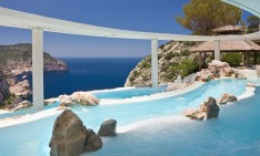 amazing pools amazing pools Fancy a swim? 10 amazing pools that will seduce you Amazing pools Hotel Hacienda Na Xamena1 234x141