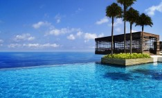 amazing pools Fancy a swim? 10 amazing pools that will seduce you feature 234x141