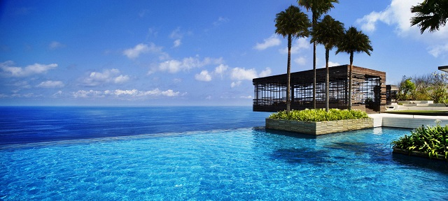 amazing pools Fancy a swim? 10 amazing pools that will seduce you feature