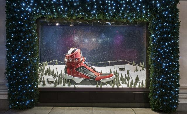 """Fantastic Christmas installations around the world"""