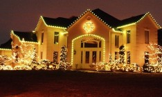 Christmas decorating ideas Outdoor Christmas decorating ideas: make it sparkle Best Beast and Biggest Outdoor Christmas Lights at House Decor1 234x141