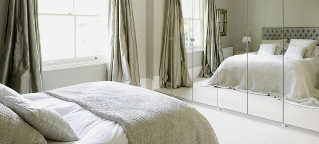 Superstitious design Friday the 13th: Superstitious design – 5 things to avoid in your home bed facing mirror1