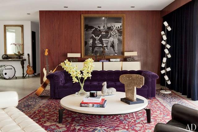 """Celebrities' elegant velvet rooms"""