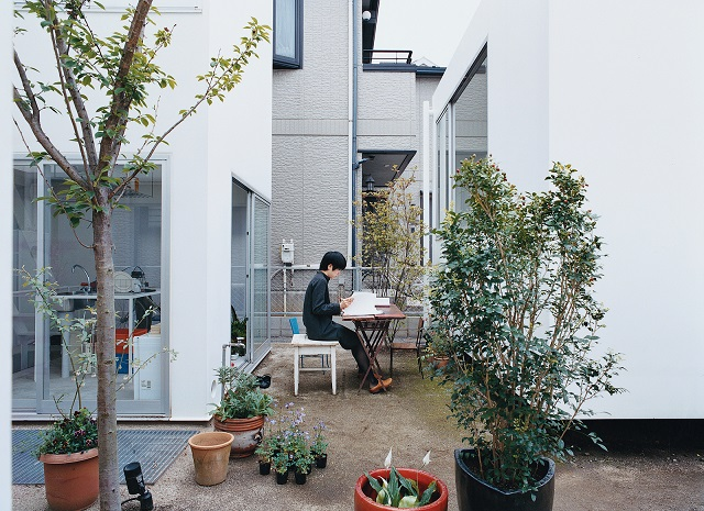 """""""Stylish home offices you have to see"""" home offices 5 stylish home offices you have to see moriyama house courtyard table portrait"""