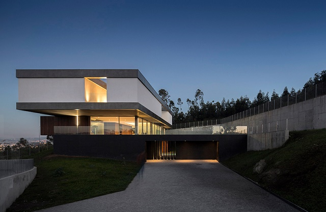 """""""The levitating house"""" house that appears house that appears The house that appears to levitate spaceworkers be house designboom02"""