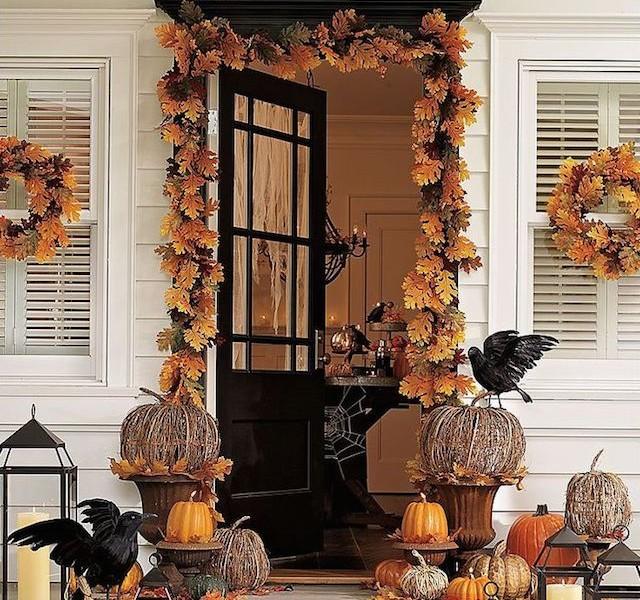 halloween The best 20 front door decors for halloween 19 640x600