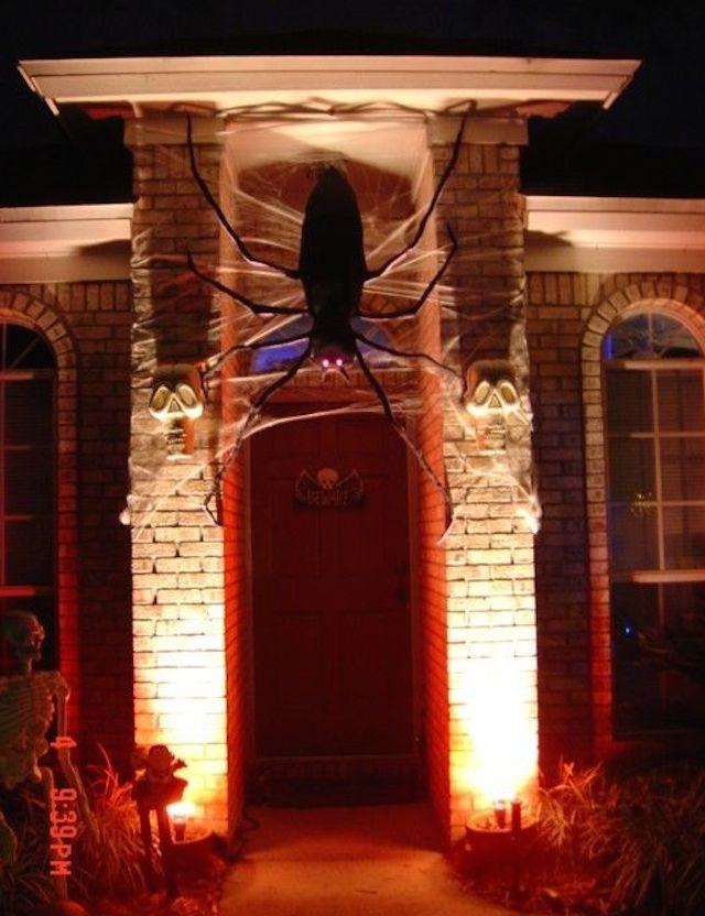 20 halloween The best 20 front door decors for halloween 20