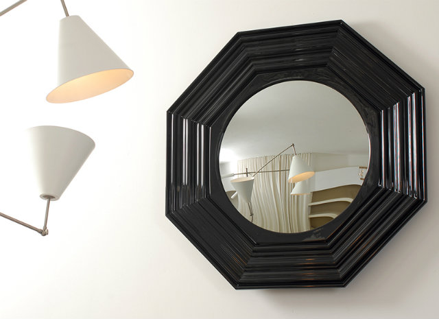 Place a mirror behind a light source SMALL SPACES SMALL SPACES, HOME DESIGN IDEAS: 3 TIPS TO USE MIRRORS IN SMALL SPACES 21