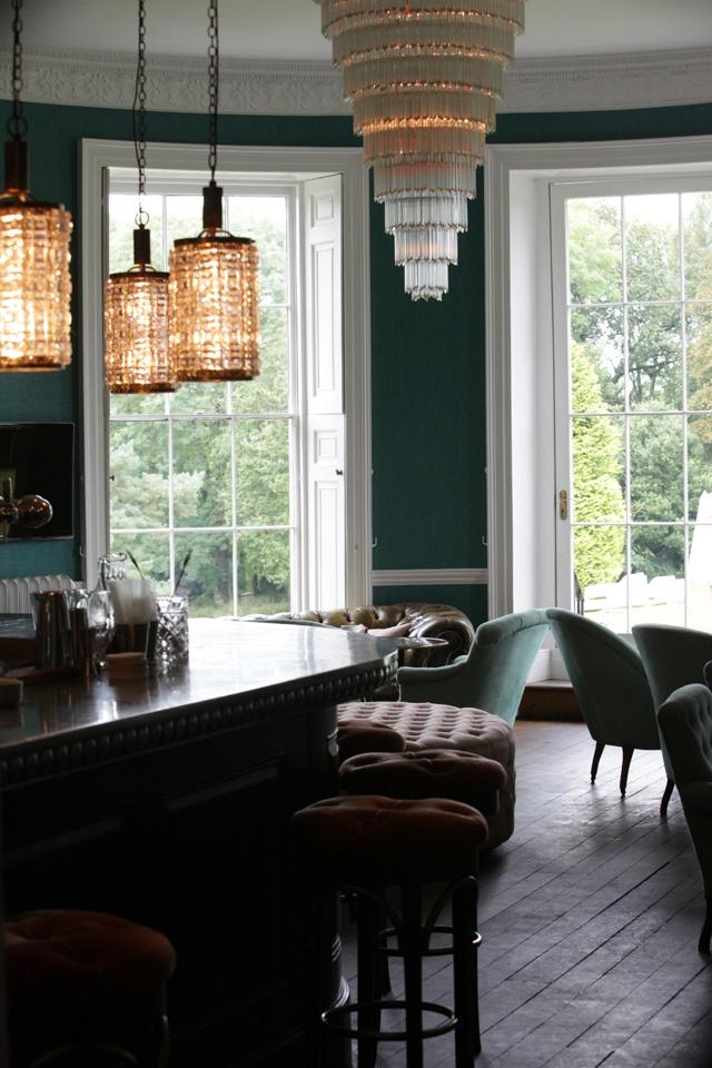 Top 5 Antique chandeliers in UK 1 Antique chandeliers Top 5 Antique chandeliers in UK Top 5 Antique chandeliers in UK 1