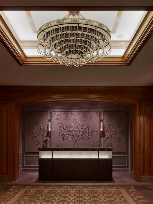 Modern chandeliers for a hotel 39 s decor for Decoration hotel