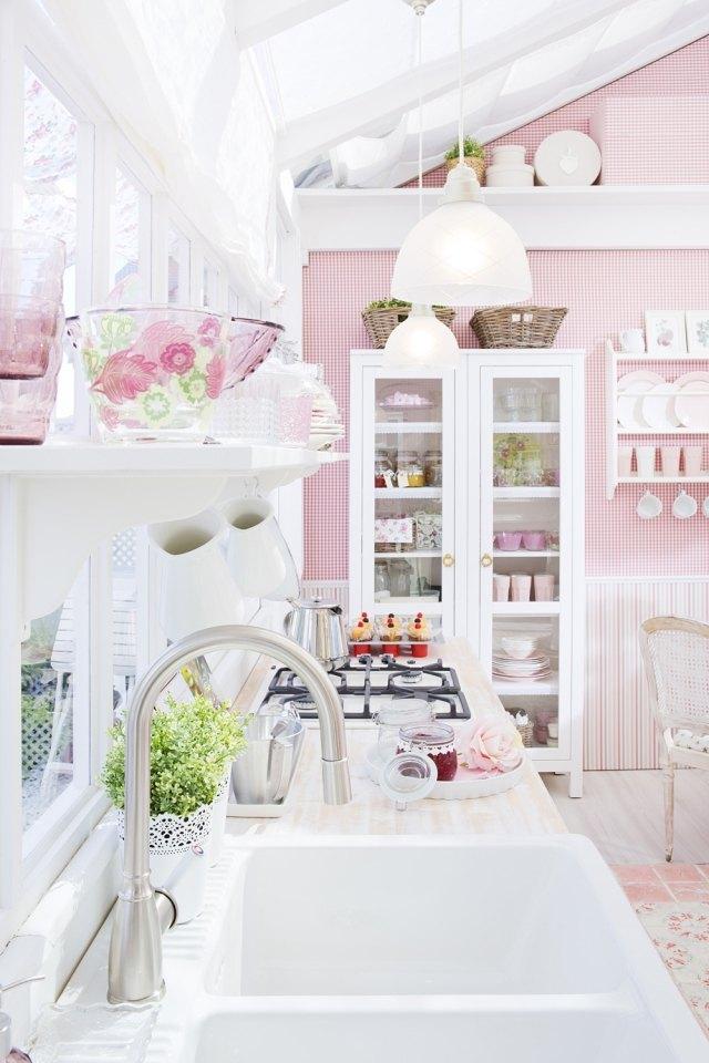 Tips to get a feminine kitchen 5