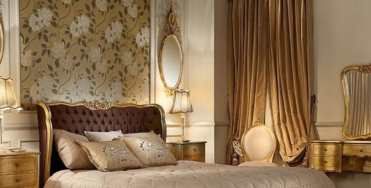 Gold mirrors-the latest trend! fabulous bedroom design apply classic elegant style with antique looks bed and decorated with ancient mirrors 730x370