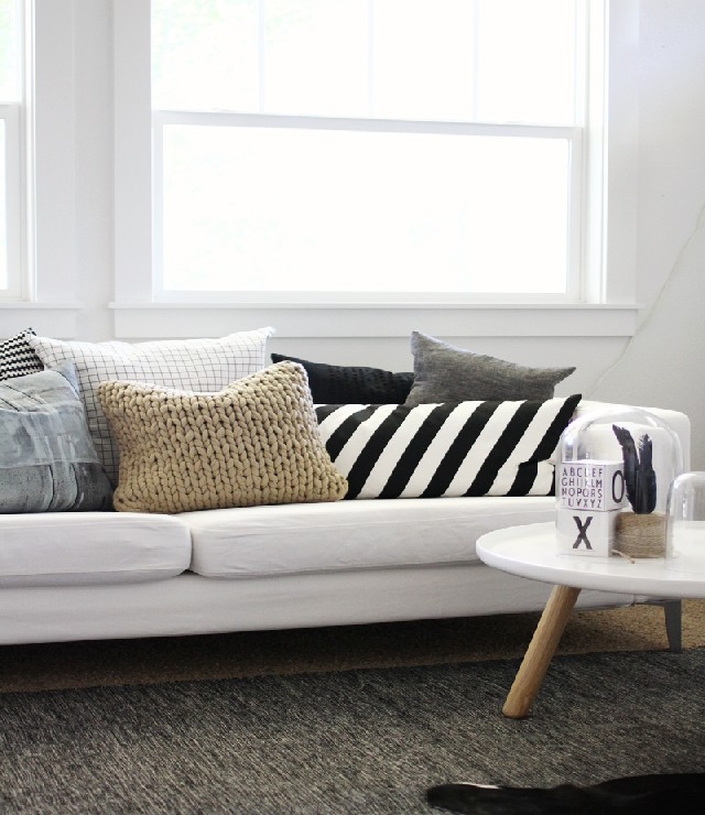 living rooms patterned pillows 10