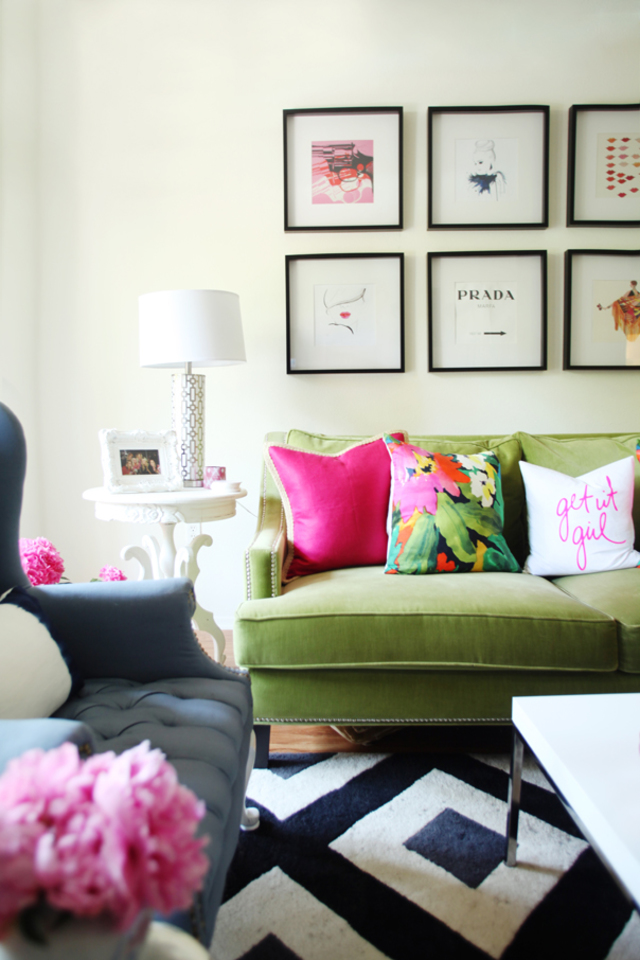 living rooms patterned pillows 3