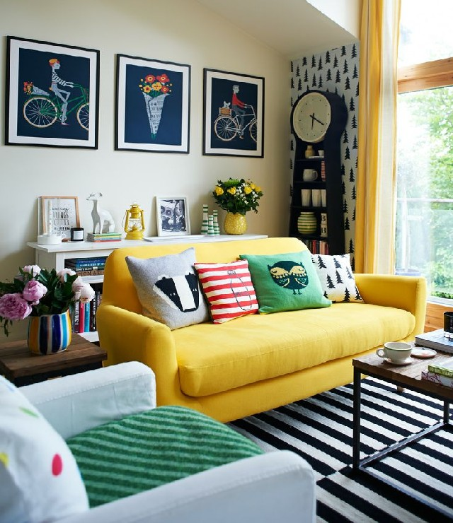 living rooms patterned pillows 4