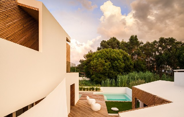 TOP Architecture Projects Portuguese SilverWoodHouse by Ernesto Pereira  13