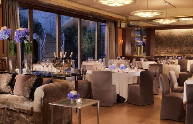 Visit Euroluce 2015 and have dinner at one of this TOP 10 Restaurants in Milan  IL TEATRO RESTAURANT