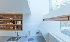 Bookshelf-staircase into London flat by Zminkowska De Boise charlie mark orlando slide 02 234x141