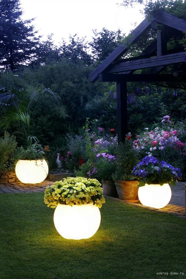 1409692410_garden-lights-4