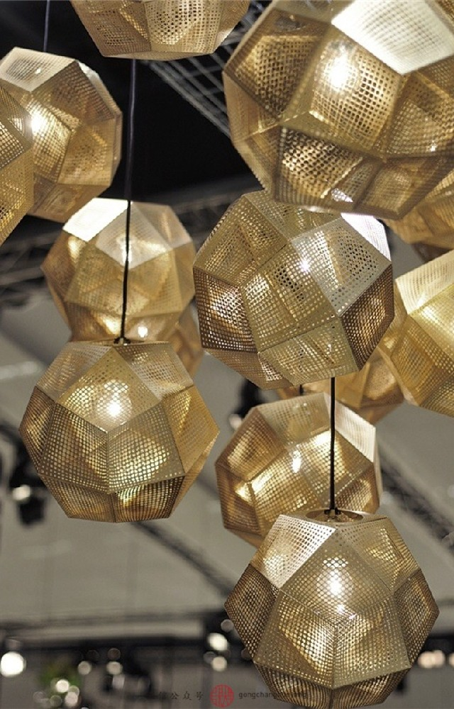 LIVING ROOM DESIGN IDEAS 50 GOLD LAMPS tom dixon etch shade susp LIVING ROOM DESIGN IDEAS LIVING ROOM DESIGN IDEAS: 50 GOLD LAMPS LIVING ROOM DESIGN IDEAS 50 GOLD LAMPS tom dixon etch shade susp