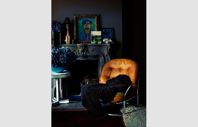 Living room design ideas 50 inspirational armchairs delightfull leather armchair dark walls