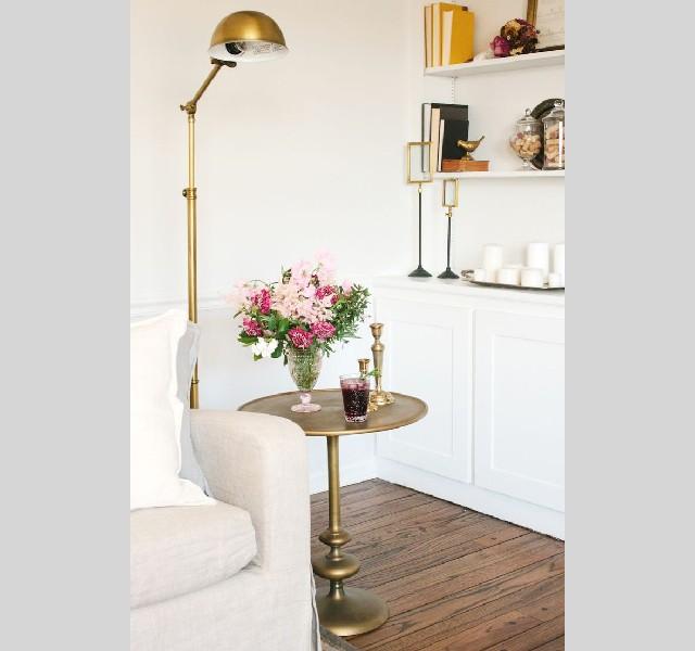 gold lamps LIVING ROOM DESIGN IDEAS LIVING ROOM DESIGN IDEAS: 50 GOLD LAMPS gold lamps