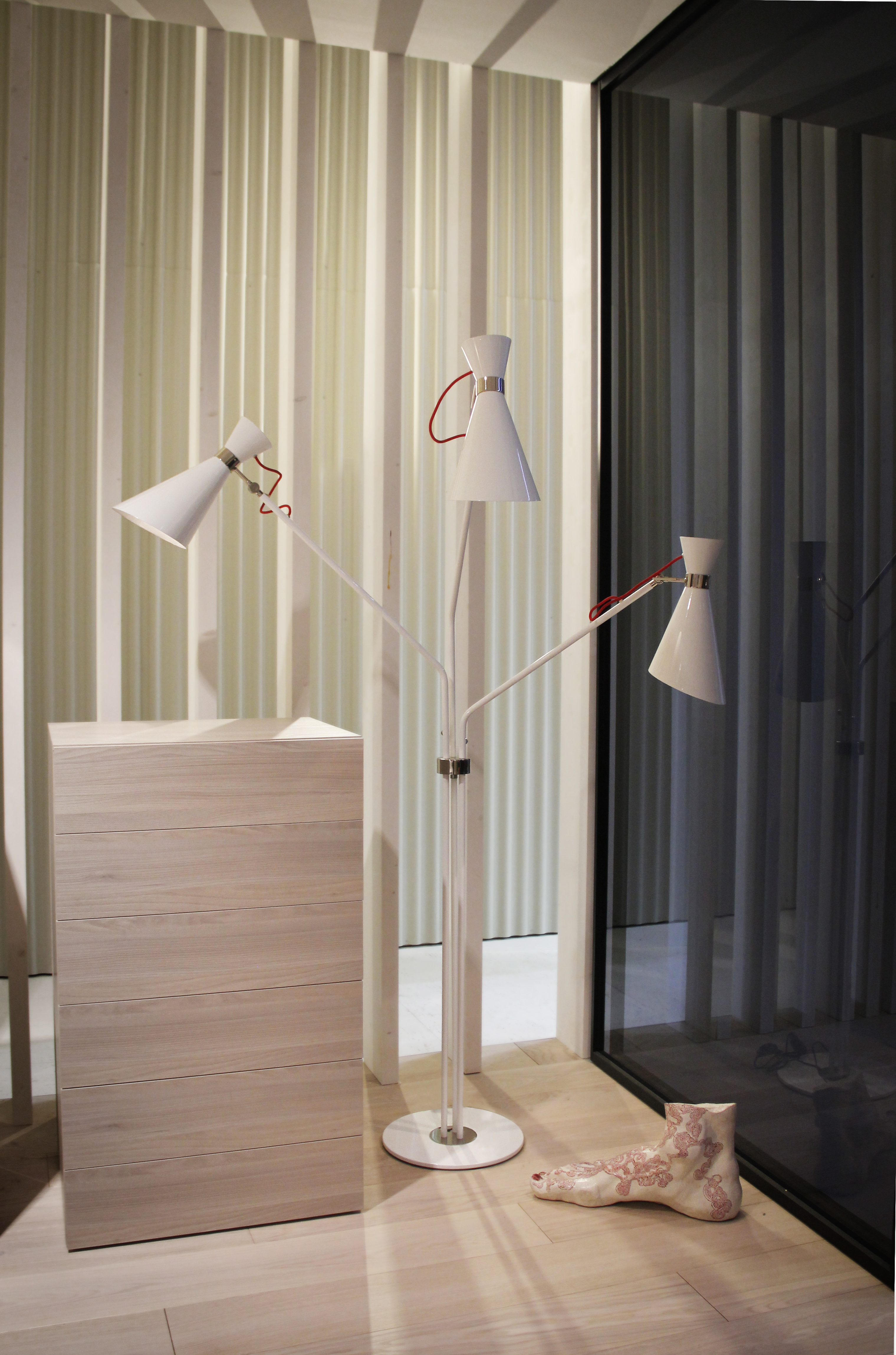 Remodel your home with white floor lamps