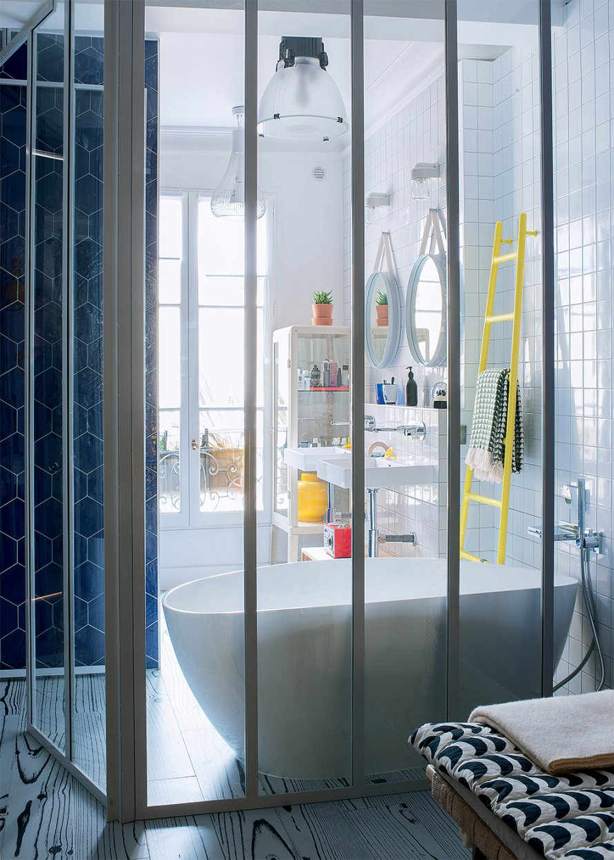 Home design ideas a modern apartment design featuring pop for Salle de bain pop