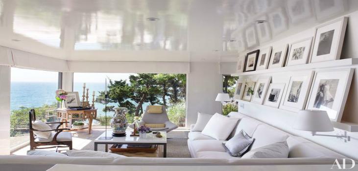 living room 10 Living Room Ideas From The Homes Of Top Designers fed744c16e47ce223faf16edc180fd9e