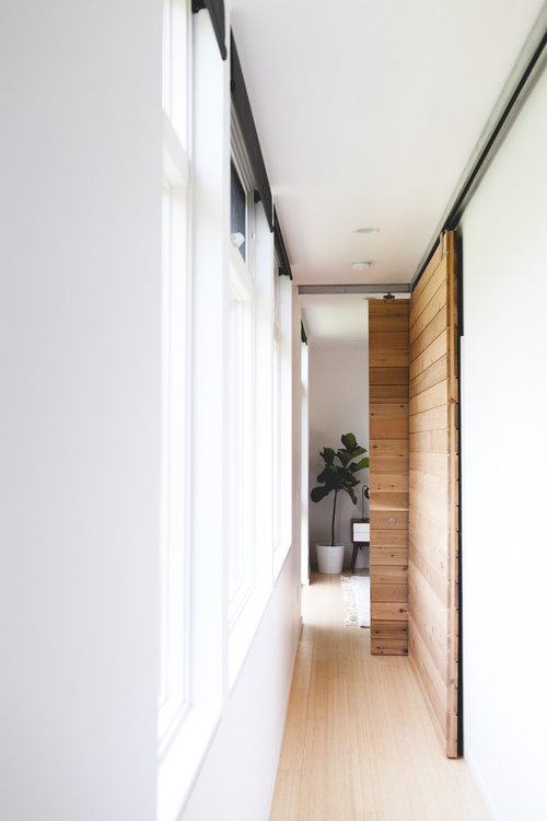 YOU'LL LOVE THIS MINIMAL MODERN PACIFIC NORTHWEST HOME