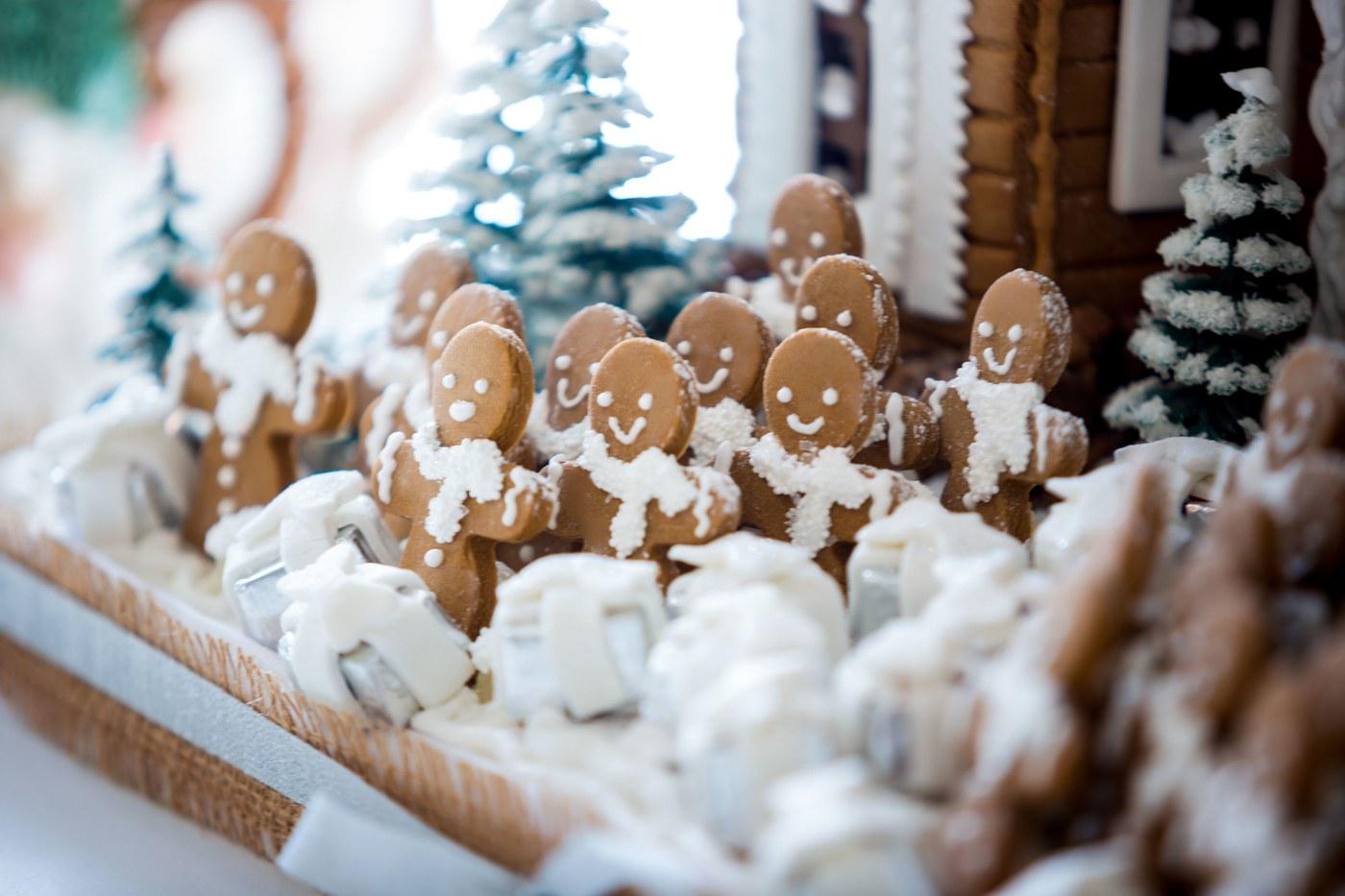THESE ARE KRIS JENNER'S FAVOURITE CHRISTMAS HOME DESIGN IDEAS kris jenner 10 PHOTOS PROVING KRIS JENNER HAS THE COOLEST CHRISTMAS DECORATIONS kris jenner 15
