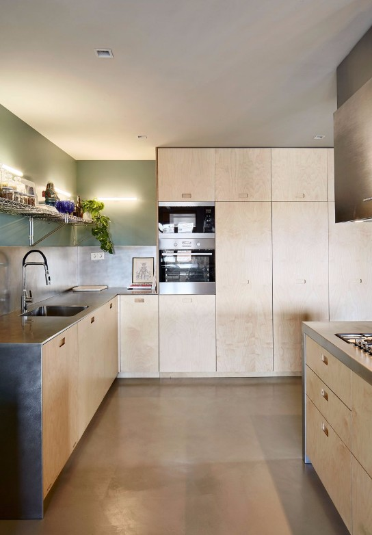 1930s Vintage Barcelona Apartment Gets a Colorful Refurbishment