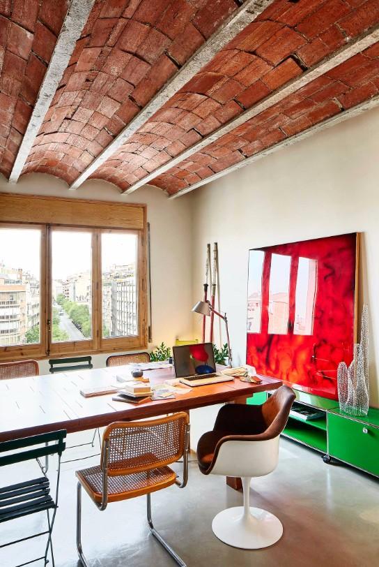 1930s Barcelona Vintage Apartment Gets a Colorful Refurbishment