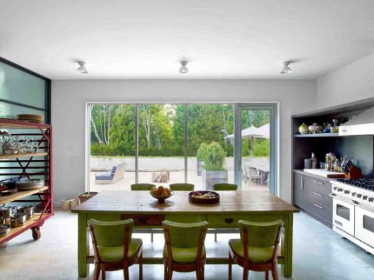 A BATCH OF THE BEST HOME DESIGN IDEAS FEATURING PANTONE'S greenery A BATCH OF THE BEST HOME DESIGN IDEAS FEATURING PANTONE'S GREENERY Discover the Best Home Decor Ideas Following Pantone   s Greenery 8