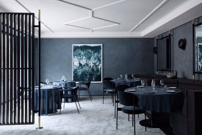 DON'T BE AFRAID OF AN OUTSTANDING DARK INTERIOR DESIGN  dark interior DON'T BE AFRAID OF AN OUTSTANDING DARK INTERIOR DESIGN DON   T BE AFRAID OF AN OUTSTANDING DARK INTERIOR DESIGN 4