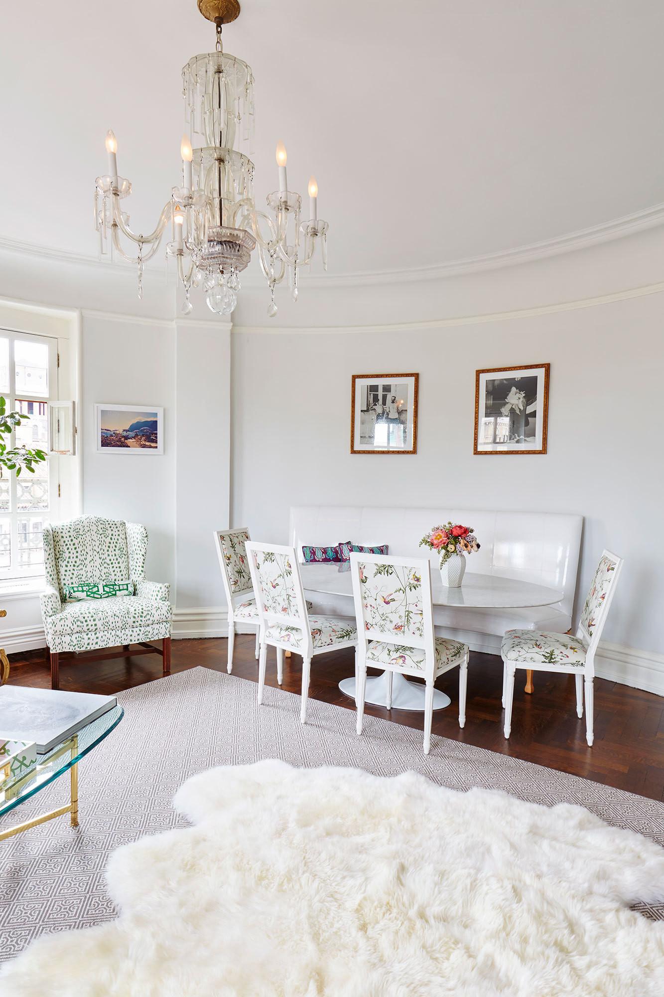 Room of the week pastel living room in cosmopolitan nyc for Pastel dining room ideas