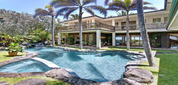 luxurious vacation LUXURIOUS VACATION HOMES AROUND THE WORLD trinity villa rentals vacation and homes in swaying palms 1940s interior design to be an interior designer architectural site plan home decor interiors famous 1designers desiners dizain  730x350