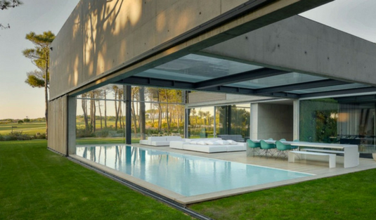 An Elevated Glass Bottom Swimming Pool in the Portuguese Riviera. elevated glass bottom swimming pool An Elevated Glass Bottom Swimming Pool in the Portuguese Riviera An Elevated Glass Bottom Swimming Pool in the Portuguese Riviera
