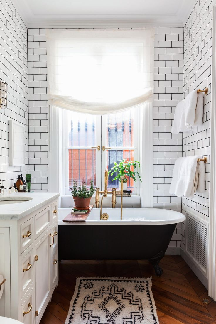 The Luxury Bathroom Interior Design You Need to Tune In! 4