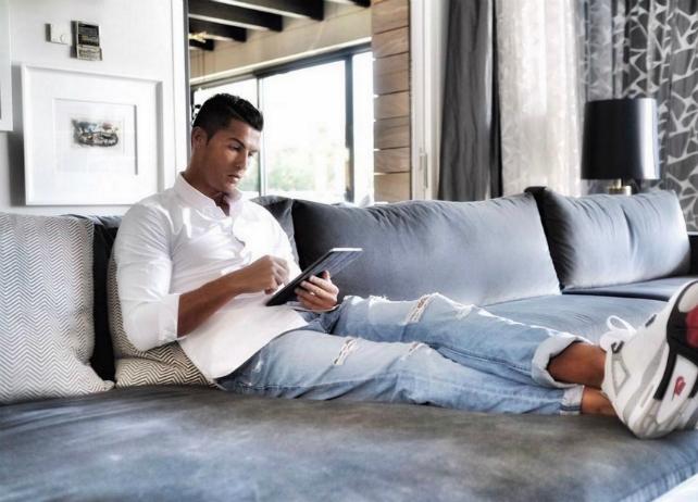 luxury HOUSE TOUR: Meet Cristiano Ronaldo Luxury House Inside Cristiano Ronaldos   48m mansion