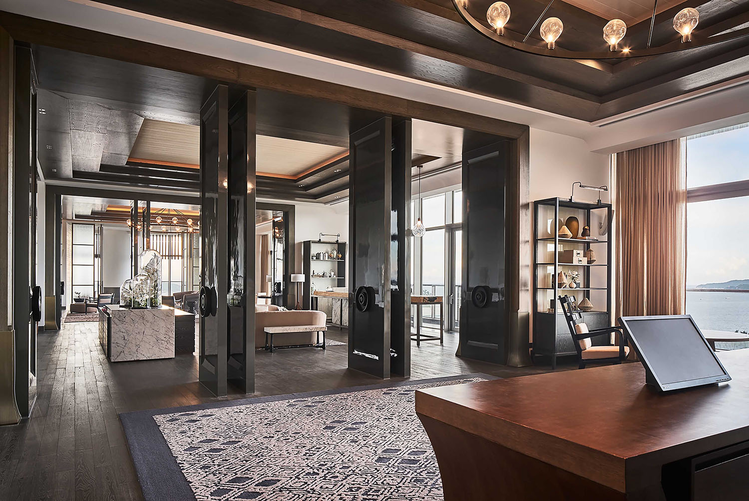Whether it is the welcoming space of a hotel lobby, the fine details of a lighting element, a villa in the south of France, or a Chinese courtyard house, a London heritage building or a New York luxury structure: every design project is aunique cultural journey through light, form, and space.