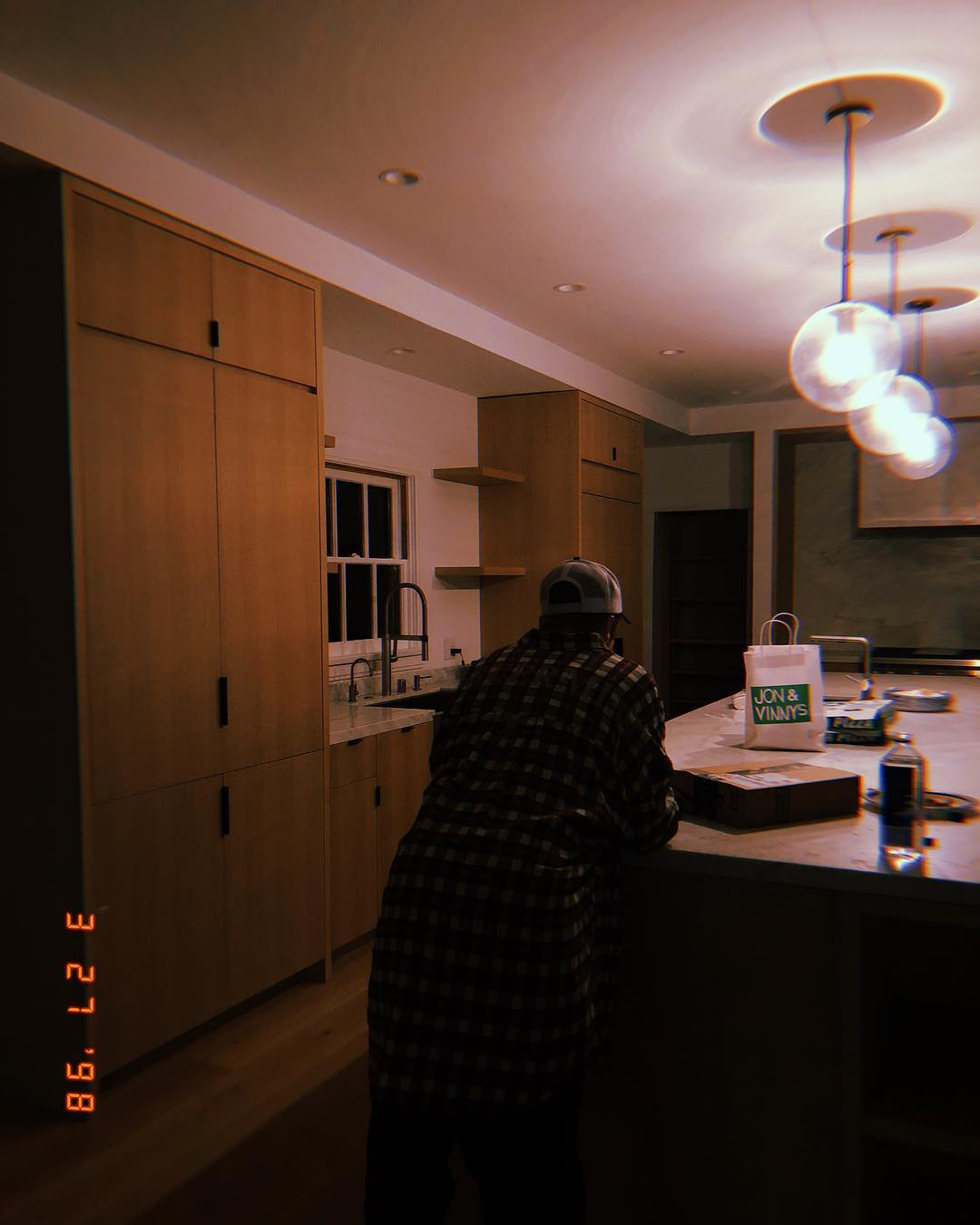 Here's A Sneak Peek Inside The Biebers New Mansion In Beverly Hills 12 the biebers new mansion Here's A Sneak Peek Inside The Biebers New Mansion In Beverly Hills Heres A Sneak Peek Inside The Biebers New Mansion In Beverly Hills 12