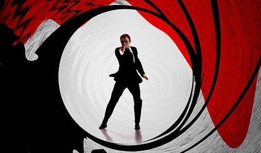 James Bond james bond James Bond Inspo: Check Out How You Can Redecorate Your House! JAMES BOND 11