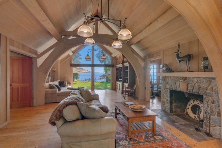 INSIDE THE LUXURY INTERIORS OF MARK ZUCKERBERG PROPERTIES luxury interiors INSIDE THE LUXURY INTERIORS OF MARK ZUCKERBERG PROPERTIES Mark Zuckerberg Lake Tahoe Estate 1