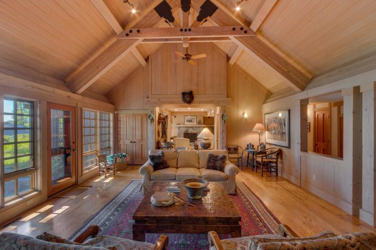 INSIDE THE LUXURY INTERIORS OF MARK ZUCKERBERG PROPERTIES luxury interiors INSIDE THE LUXURY INTERIORS OF MARK ZUCKERBERG PROPERTIES Mark Zuckerberg Lake Tahoe Estate 2