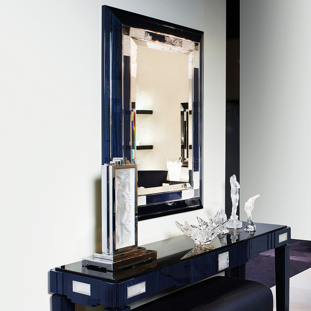 Top 25 Luxury Mirrors That Will Enhance Your Home_8 luxury mirrors Top 20 Luxury Mirrors That Will Enhance Your Home 3135 1