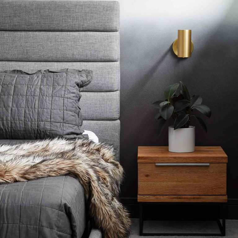 7 Nightstands To Perfect Your Bedroom Decor_2 bedroom decor 7 Nightstands To Perfect Your Bedroom Decor 7 Nightstands To Perfect Your Bedroom Decor 2